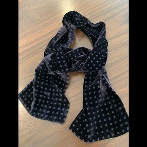 Velvet scarf.